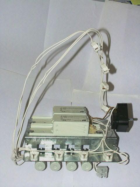 http://www.turbokeu.com/myprojects/uv-box/pict0003.jpg
